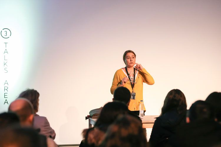 Sandra Balsells durante su conferencia en Madrid Photo Fest